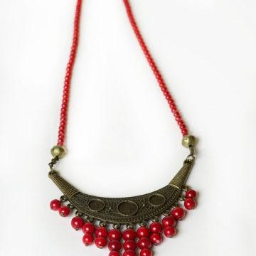 ochrankyňa ženstva, náhrdelník, červený koral