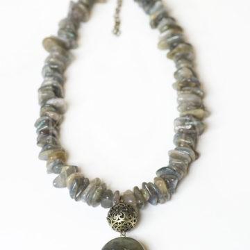 amazonka, náhrdelník, labradorit
