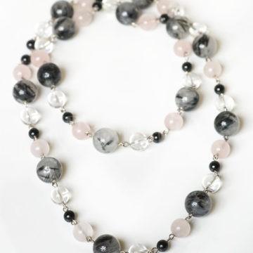 tiché šťastie, náhrdelník, ruženín, krištáľ, turmalín