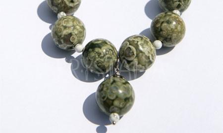 artemis, náhrdelník, ryolit, magnezit
