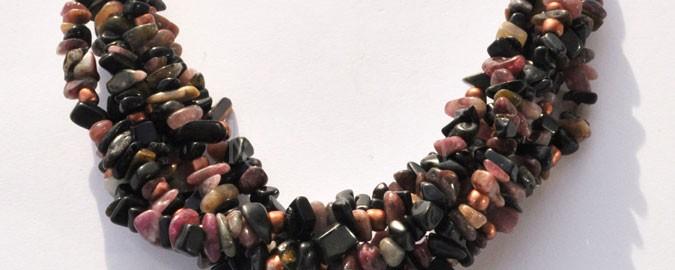 báseň o Lilit, náhrdelník, turmalín, onyx