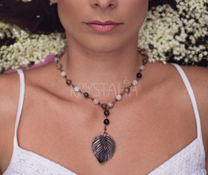 strom sveta, náhrdelník, mesačný kameň, skamenelé drevo