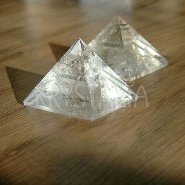 krištáľ pyramída