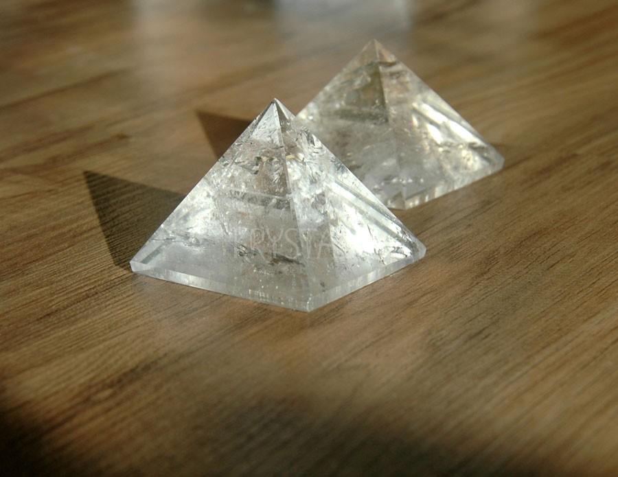 Krištáľová pyramída