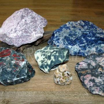 surové kamene