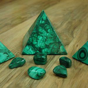 malachit pyramida