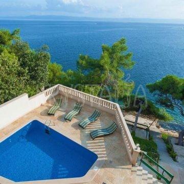 Vlastný bazén na príležitostné osvieženie :)