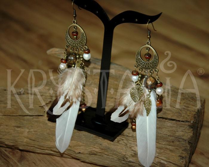 Biele pierkové náušnice s bronzitom a riečnou perlou