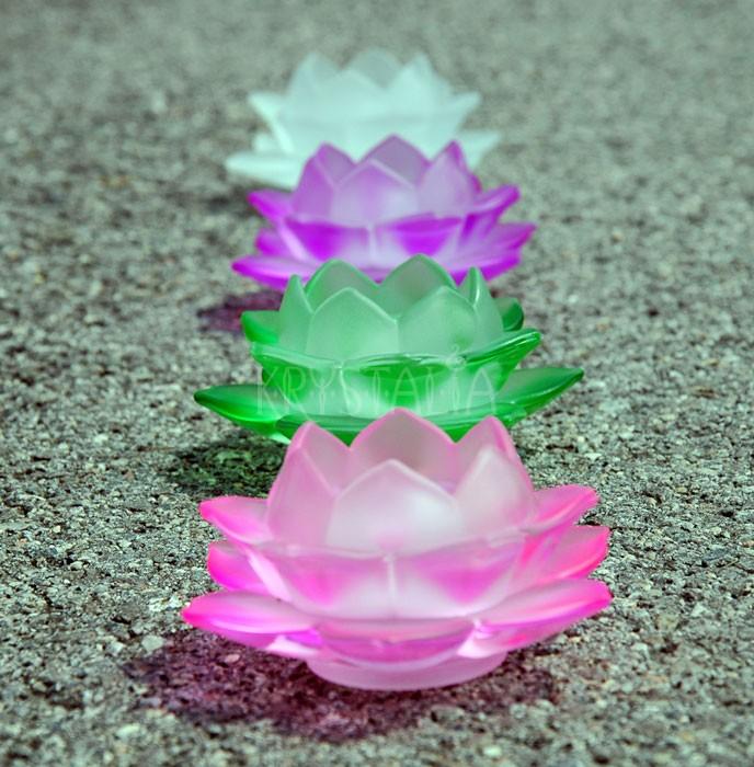 Lotosový kvet - svietniky v rôznych farbách