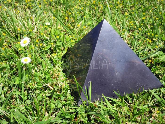 Šungitová pyramída 15 cm
