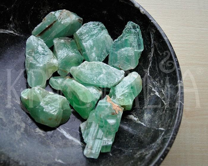 kalcit_zelený_surovina